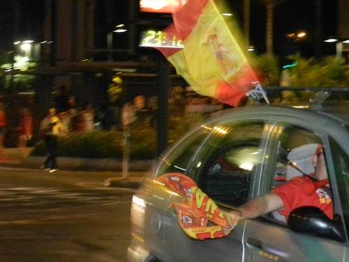 La celebración en Almería ha empezado nada más recoger Casillas la tercera Eurocopa de España