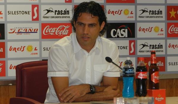 El capitán de la UD Almería se encuentra ahora sin equipo y lo busca en las Sesiones AFE