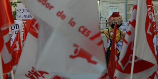 La Junta de Andalucía reajusta sus medidas para evitar doble merma a los funcionarios
