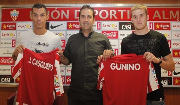 Los dos futbolistas de la UD Almería, Gunino y Casquero, hablan de ascenso