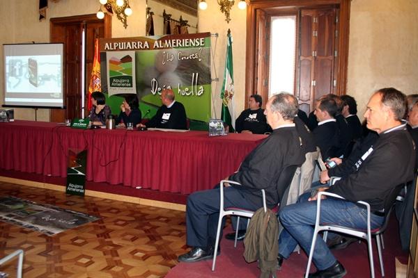 Ciudadanos de la Alpujarra venderán su tierra en las redes sociales con el proyecto Rumor