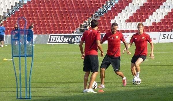 El Almería ha tomado contacto con el escenario de sus partidos de Liga por primera vez esta temporada