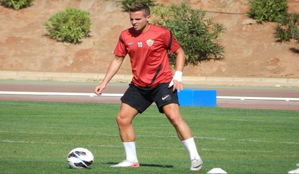 El extremo de la UD Almería ha cogido dimensión de crack en la Liga Adelante