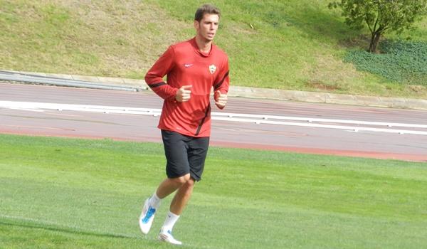 El central de la UD Almería milita en el filial pero también cuenta para el primer equipo