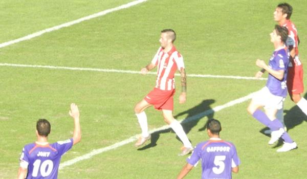 El jugador del Almería marcó en el último partido en el Mediterráneo y quiere repetir ante el Hércules
