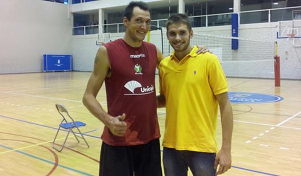 Dos novatos en el Unicaja Almería, uno comenzando y el otro ya veterano en el voleibol
