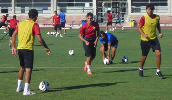 El transfer de Carlos Calvo ha llegado a la sede de la UD Almería procedente del Udinese del Calcio italiano