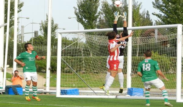 El Almería B ha empatado y sigue tercero del grupo IV de Segunda División B