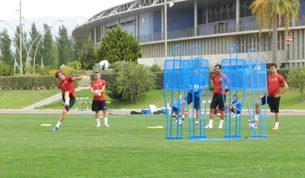 La UD Almería busca ante la Ponferradina su quinto triunfo de seis partidos en la Liga Adelante