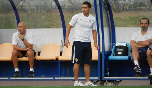 El técnico del Almería B jugó en Primera División con el Albacete, su rival hoy en Segunda B