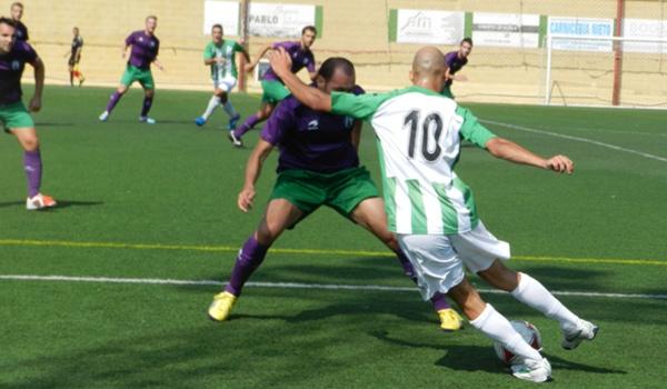 El Mancha Real plantó una defensa muy experimentada ante el Huércal en Tercera División