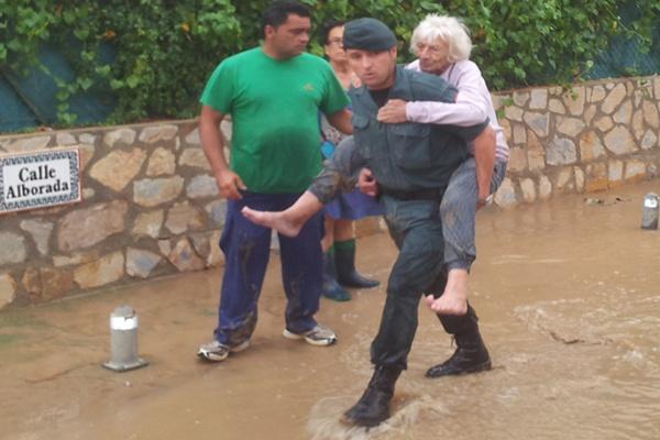 La labor de más de 1.000 efectivos en el Levante de Almería está salvando vidas