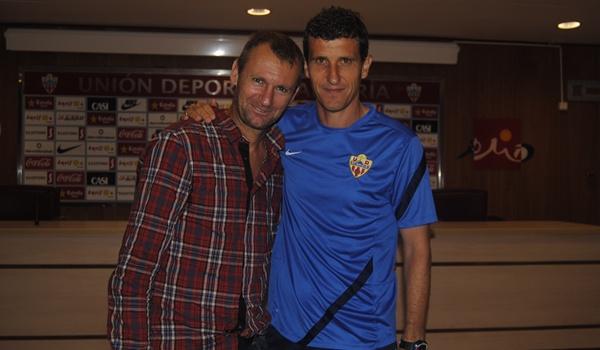 El míster de la UD Almería ha recibido la visita de un gran amigo suyo como es el hispano-rumano