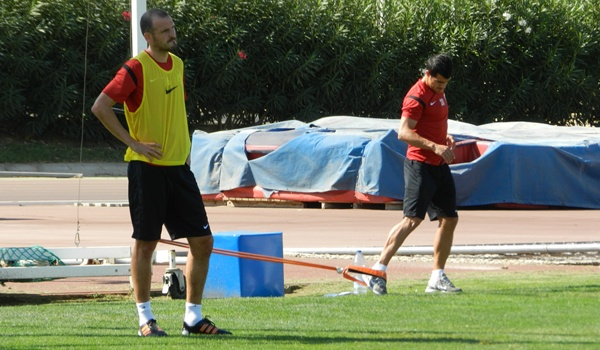 El lateral derecho de la UD Almería sufre una fascitis plantar y sigue siendo baja