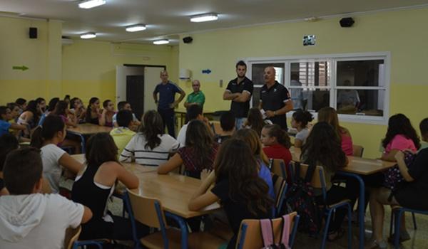 Visitas de integrantes del club ahorrador a colegios e institutos de Almería