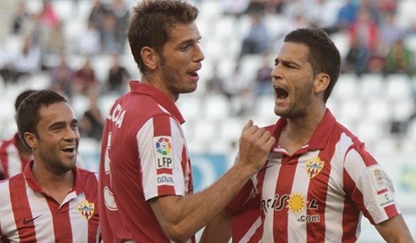 El Almería B se adelantó ante el Albacete con la ayuda de un defensor