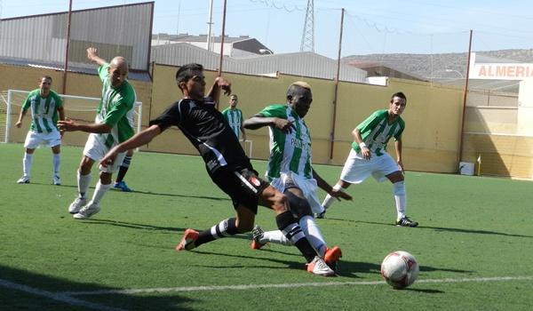 El lateral Moru es una pieza más en un compacto equipo de Tercera División