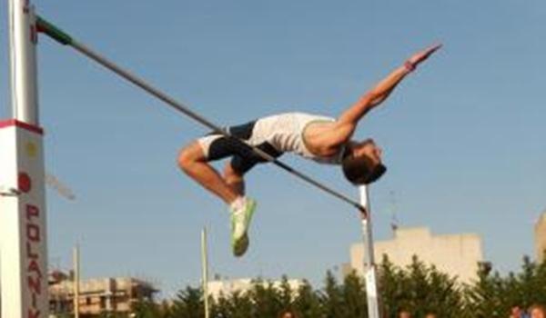 Junto a Antonella Napoletano se suma a la Escuela Municipal de Atletismo de Almería