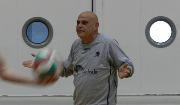 El técnico italiano de Unicaja Almería de voleibol quiere ganar la Superliga
