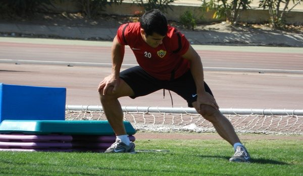 El lateral derecho de la UD Almería ha renovado automáticamente ante el Sporting de Gijón