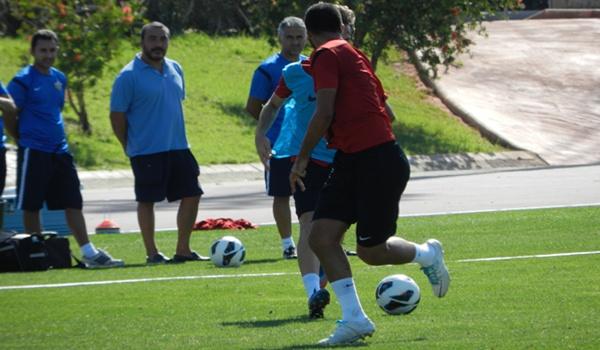El doctor de la UD Almería ha descartado a Charles y Ulloa para jugar la Copa ante el Alcorcón