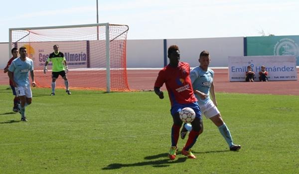 Los roqueteros golearon a los cuevanos en la Primera División Andaluza