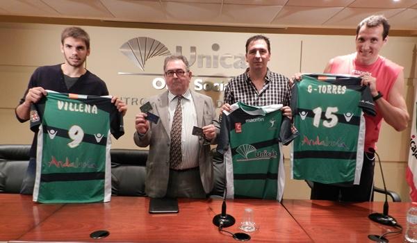 El Club Voleibol Almería ha presentado los abonos, a su nuevo gerente y a García Torres y Andrés Villena
