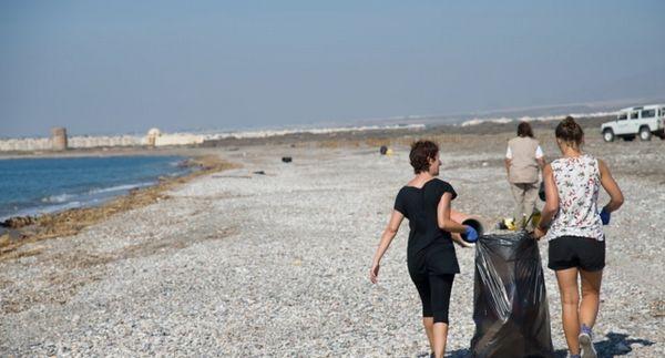 limpieza playas cabo de gata
