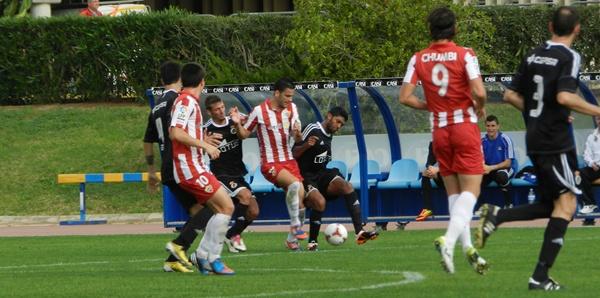 La Balompédica Linense ha regalado el balón pero ha tenido las ocasiones más claras ante el Almería B