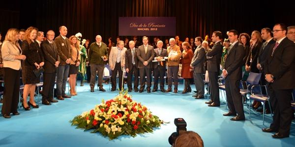 La Diputación ha celebrado un día en el que ha reconocido a Manolo Escobar, el Banco de Alimentos, Cajamar y Carmen Martín