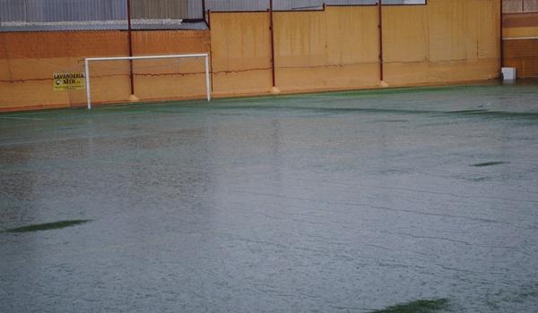 El partido del grupo IX de Tercera División entre la AD Huércal y el CD El Palo ha sido aplazado por la lluvia