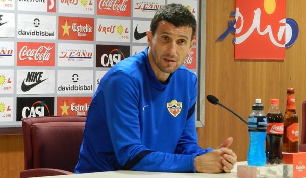 El técnico del Almería ha comparecido para explicar su próximo reto en Liga Adelante