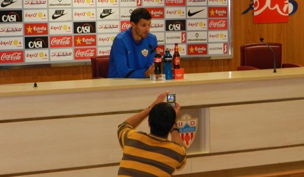 El míster del Almería analiza a su próximo rival en esta Liga Adelante
