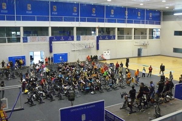 300 deportistas participaron a favor de la asociación de Almería