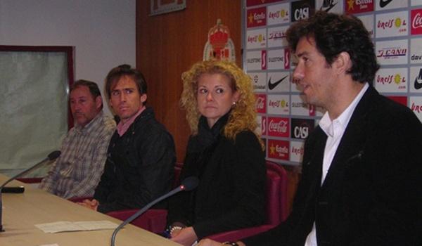 El club de Liga Adelante colabora con el Ayuntamiento de Pechina en el Bajo Andarax