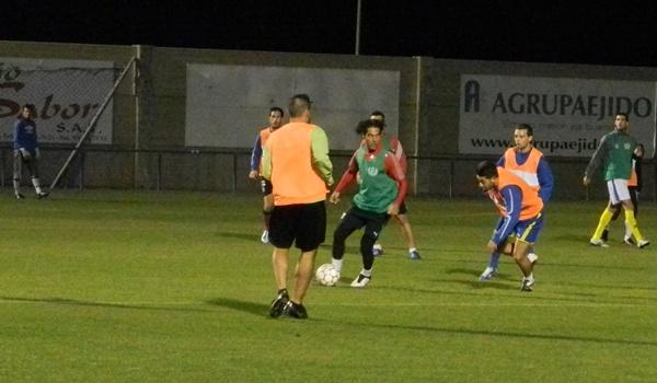 El eterno capitán de la UD Almería será entrenador y jugador del combinado de la provincia de Almería
