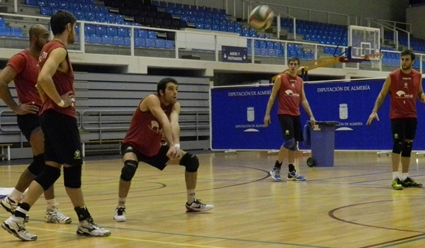 El líbero de Unicaja Almería habla de Vigo, próximo rival en Superliga