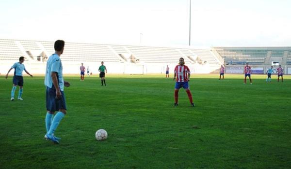 El Ejido se volcó con su equipo y hubo mil aficionados en la grada de Santo Domingo en Regional Preferente