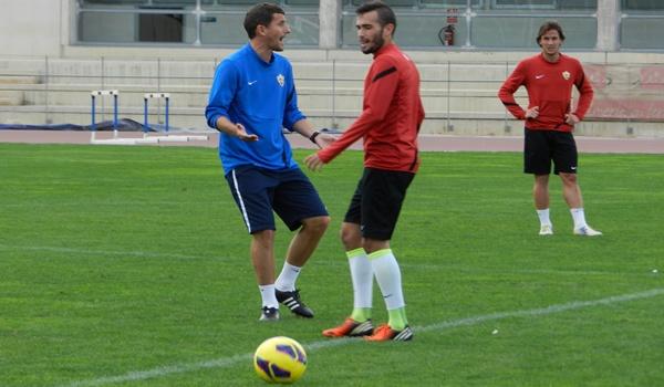 El jugador del Almería no se ha mostrado muy contento con las palabras sobre rendimiento de su técnico