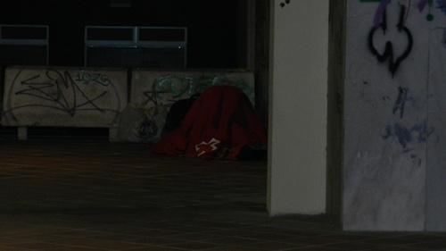 Cada vez más ciudadanos duermen en la calle y acuden a comedores sociales, también en Navidad