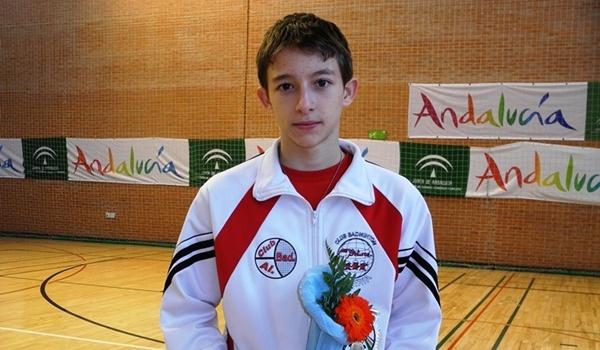 El badminton de Almería tiene en Joaquín a su mejor representante y se va con la Selección de España