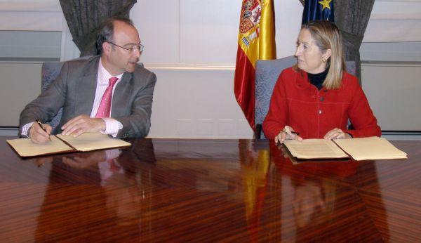 Alcalde Almería y ministra de Fomento