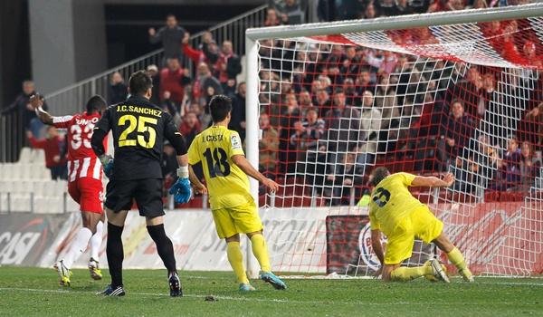 El Almería mereció ganar ante uno de los favoritos de la Liga Adelante