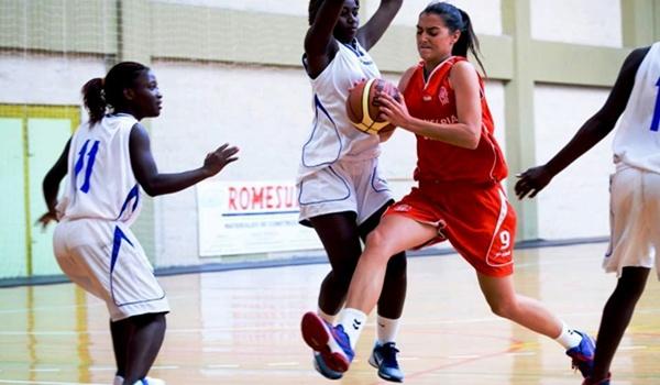 El derbi de baloncesto femenino de Primera Nacional lo perdió el Roquetas
