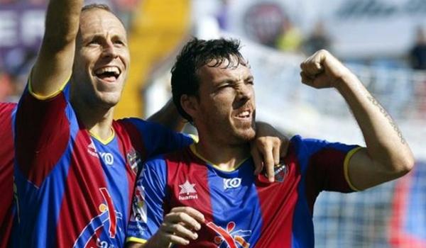 El mediapunta de Gijón ha recalado en el Almería tras pasar por la Superliga China