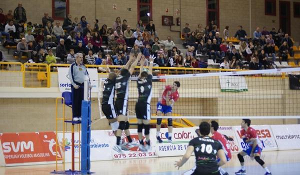 El equipo de Almería es más líder de la Superliga de voleibol tras vencer a Numancia