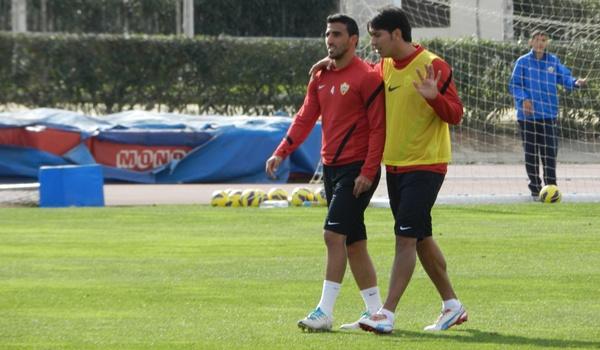 El delantero argentino de la UD Almería se va al Brighton de la Championship