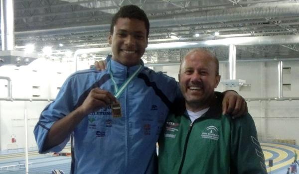 Es de Atletas de Almería y está a 45 centímetros de ir al Mundial de Atletismo Junior en triple salto