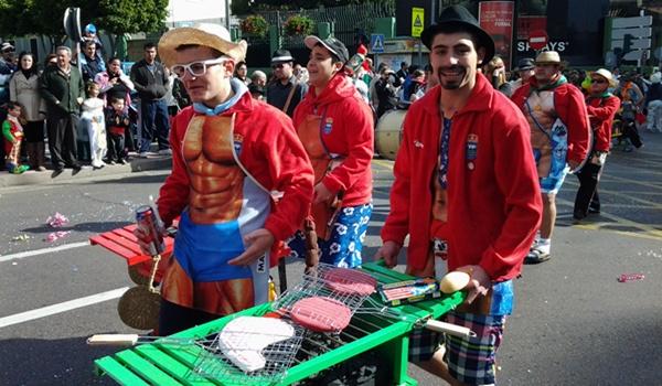 El desfile de Almería fue un éxito de participación