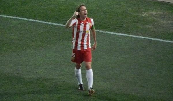 El Almería vuelva a ganar en el Mediterráneo esta Liga Adelante y es segundo